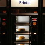 Foto eierbal automatiek bij het Amsterdams Broodjeshuis Zuiderdiep Groningen